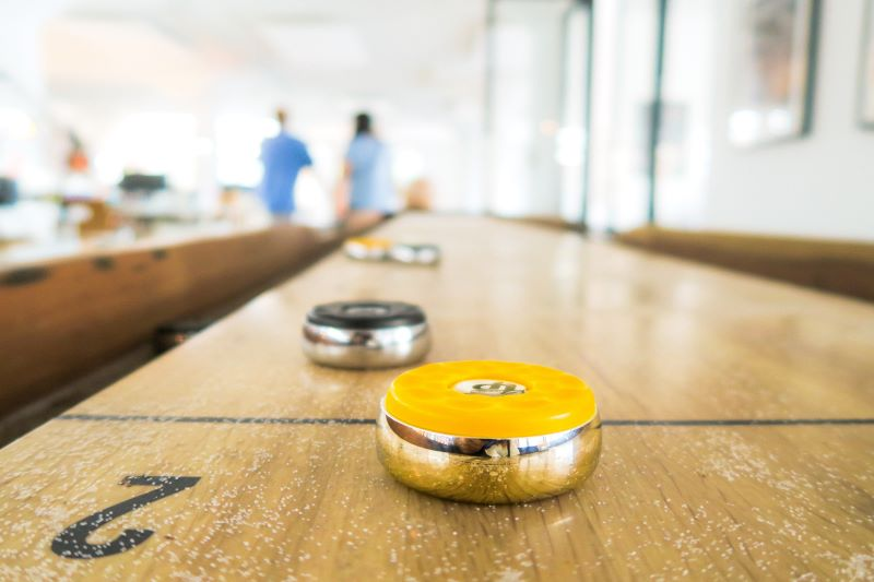 table shuffleboard game